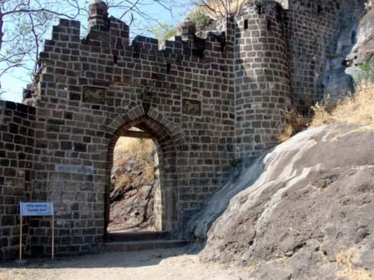 Ganesh Darwaza Shivneri Fort